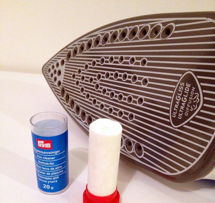 Nettoie-fer pour fer à repasser